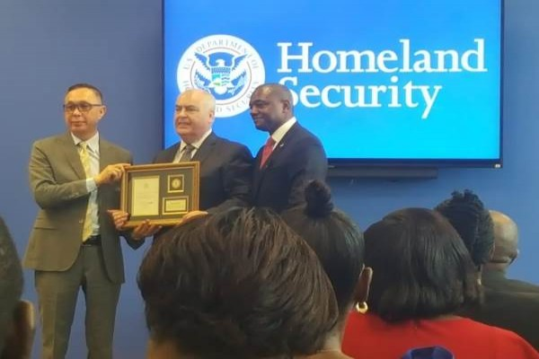 Commissioner Byrne Receives 2018 ICE Director's International Achievement Award from US DHS