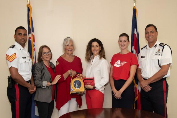 Cayman Heart Fund Donates Life-Saving AED Equipment to the RCIPS, 4 December