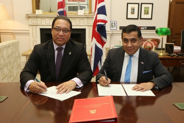 UK and Cayman Sign Deal on Helicopter Operations