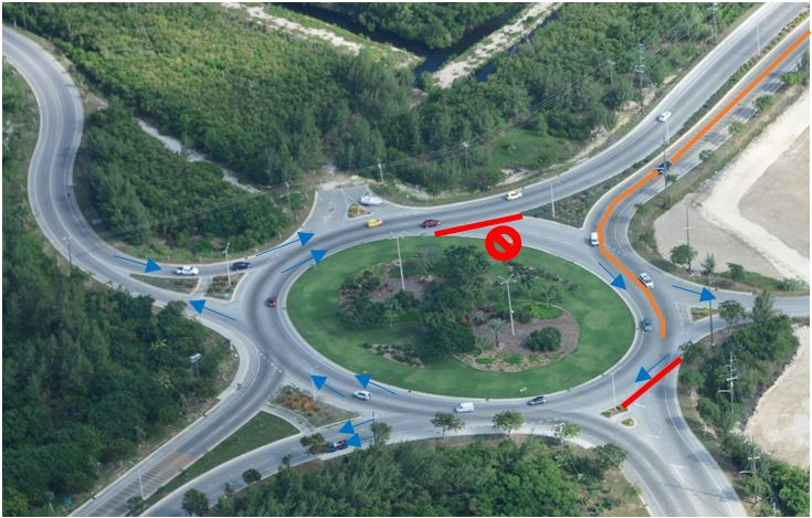 Traffic diversions at the Yacht Club Roundabout (facing south).
